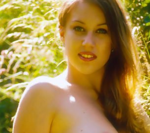 Beim Outdoor-Sex im Freien, will ich Sonne, Regen und die Luft in der freien Natur spüren. Der neue Sextrend deckt meine Vorlieben im Freien Sex zu haben.